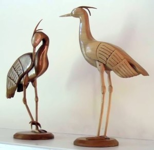 Woodcarvings_of_cranes