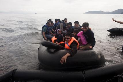 refugees lesbos greece turkey_0