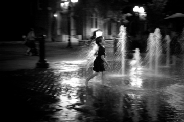 julien_fountain_august292015_dsc_6335_bw
