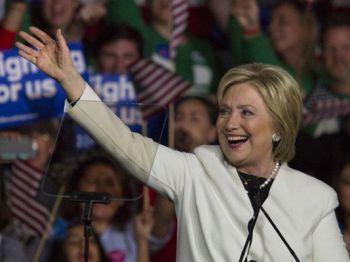 635933172260783601-Hillary-Clinton-Miami-Rally-Super-Tuesday-27