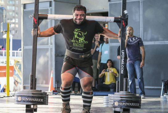Vegan-strongman-David-Cooper-Toronto-Star