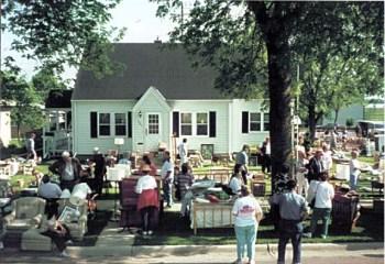 estate-sale-people