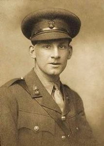 siegfried_sassoon_by_george_charles_beresford_1915