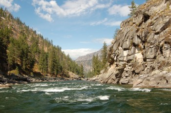 rapids-and-cliffs-along-main-salmon-river